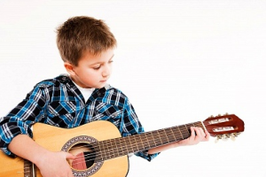Çocuklar için gitar dersleri
